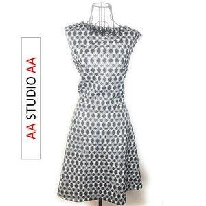 Black & Tan Sleeveless Geometric Print Dress